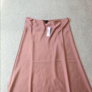 Pull-on slip skirt